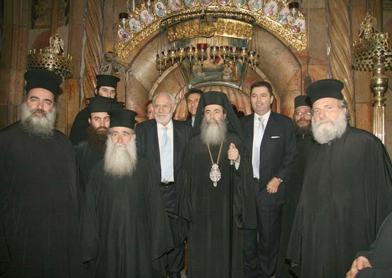 His Beatitude with the prominent guests in front of the Holy Sepulchre.