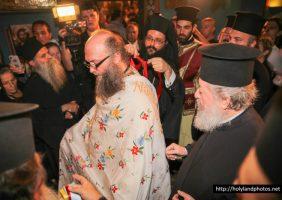 Archimandrite Nektarios receives the icon of Theotokos