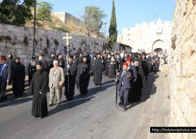 The march of the Members of the Holy Sepulchre to Gethsemane