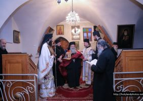 His Beatitude opening the Christmas hymns