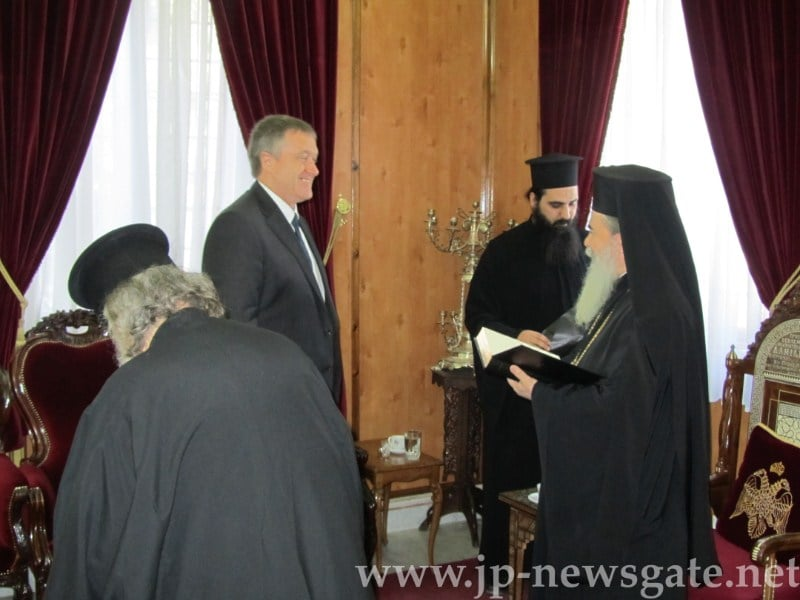 His Beatitude meets the British Consul General to Jerusalem