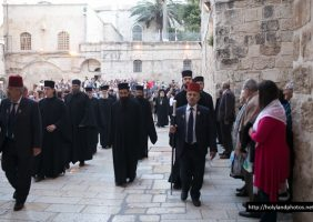 On the way to the Church of the Resurrection for the Salutations