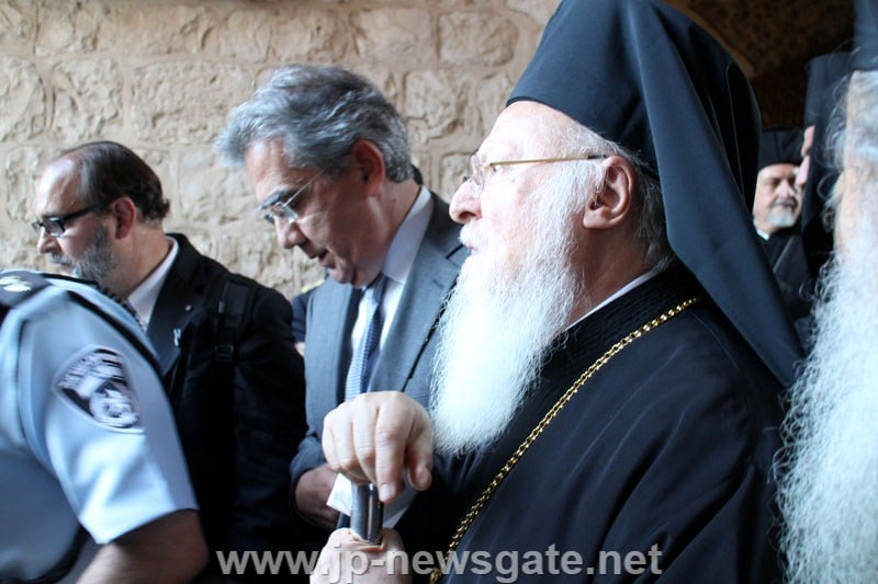 The Ecumenical Patriarch and the Greek Consul General