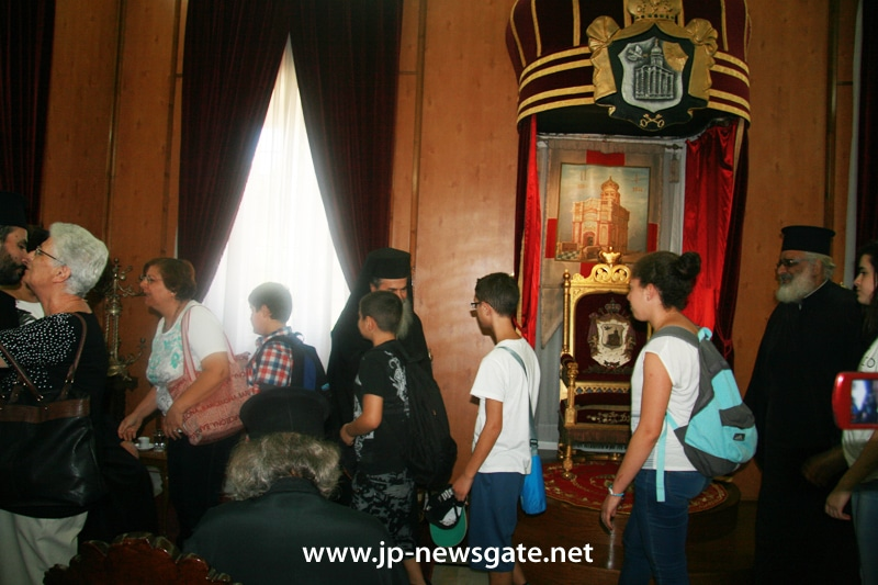 Childern from Catechizing School receive the Patriarch's blessing
