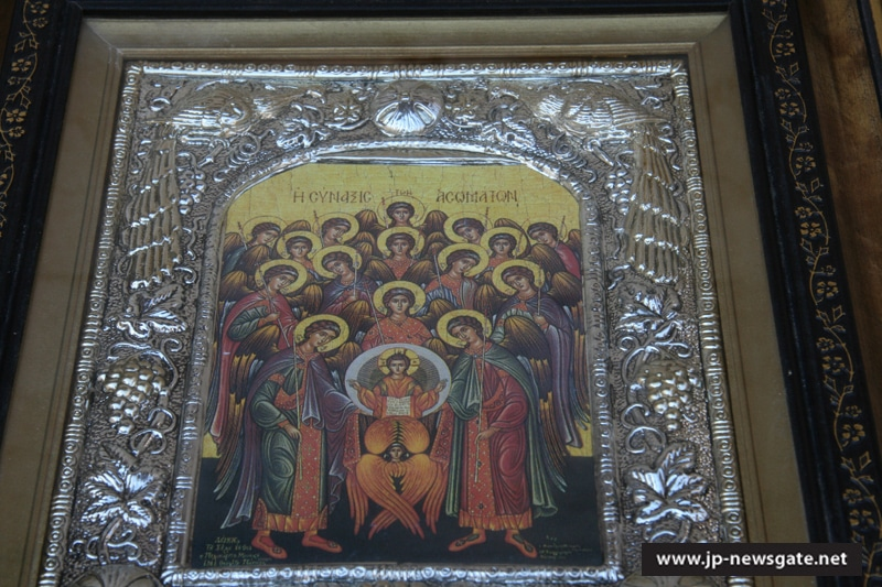 Icon depicting the gathering of the Bodiless Powers