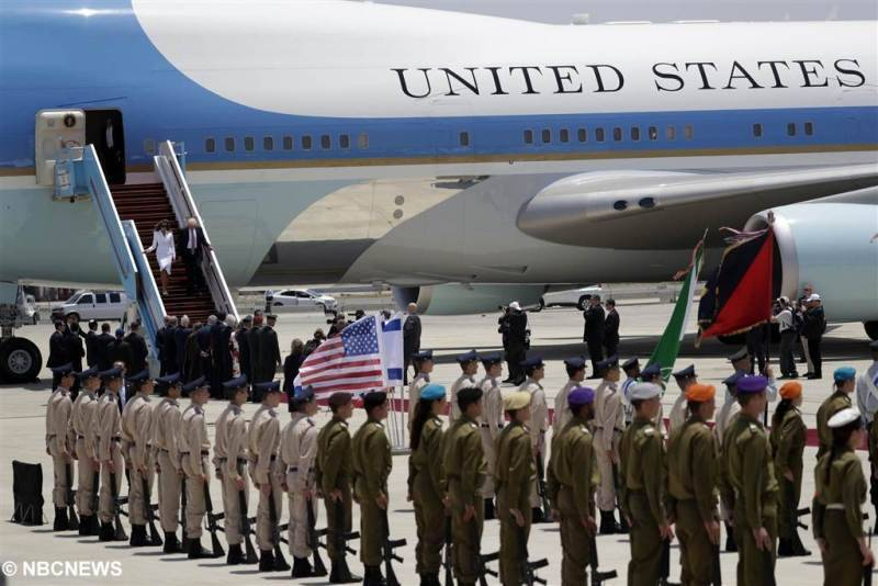 The welcome of the President of the U.S.A. at the Israeli airport Ben Gurion